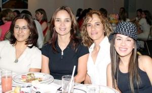 Ere de Gómez, Ligela de De la Torre, Adriana de León y Tanya de León.