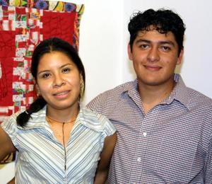 Eugenia Espejel  y Arón  Ramos.