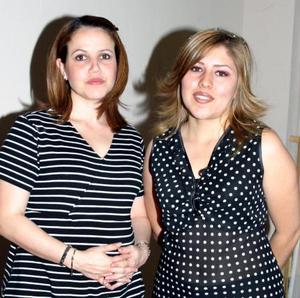 Laura Iturriria de Arizpe e Ivonne Gallardo de Fernández.