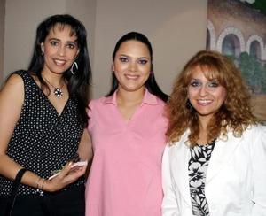 <b><u> 25 de abril </b></u><p>  Martha Castro de Llamas, Mónica López de Borgetti y Lucía Morales de Ramos.