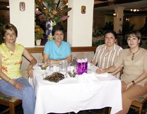 Cony Cabral de Soto, Laura de Flores, Teresa Caballero de Manjarrez y Carolina Martínez de Galindo.