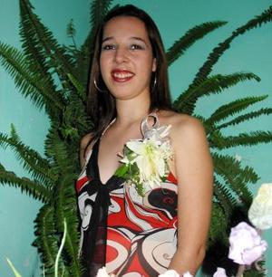 Amparo Cristina Huereca Silva, captada en la despedida de soltera que se le ofreció por su próximo matrimonio.