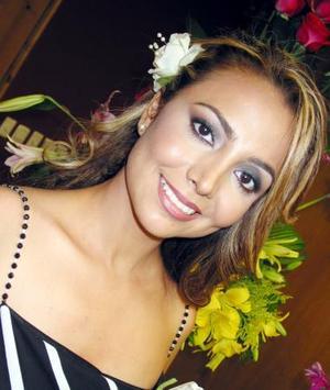 Elva Ileana Chavarría Martínez disfrutó de una fiesta de despedida por su próxima boda con Julián Montoya Zenteno.