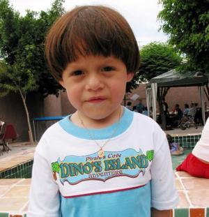Emiliano Arath Muñoz López, captado en la fiesta de cumpleaños que se le ofreció en días pasados.