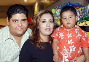 Jesús Alonso Corral Alba celebró su segundo cumpleaños con divertido convivio infantil organizado por sus papás, Ernesto alonso Corral Villa y Raquel Alba de Corral.