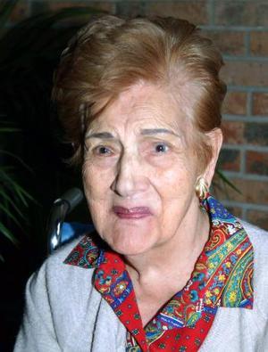 Herminia Charles de Cantú, festejó su 95 aniversario de vida, con un agradable festejo en días pasados.