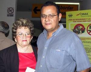 Angélica de Recio fue despedida por Alejandro Recio, antes de viajar al DF.