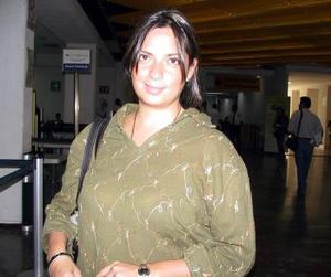 <b> <u> 26 de abril </b></u>  <p> Eunice Mier regresó a la Ciudad de México, luego de atender asuntos de negocios en La Laguna.