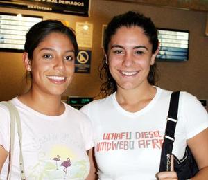 Rosa Medrano y Mariza Urquijo.
