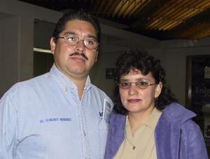 Francisco Hernández fue despedido por Lidia Espinoza, antes de viajar a Tijuana.