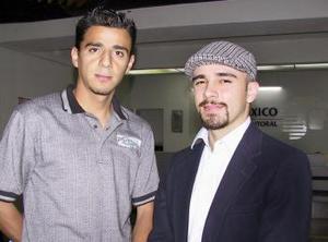 Francisco González llegó procedente del DF y fue recibido por Alonso González.