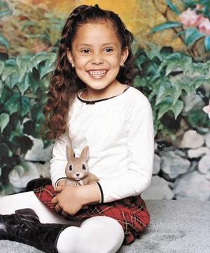 María Fernanda Sáenz Cortés, en una fotografía por el Día del Niño.