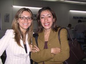 <b> <u> 30 de abril </b></u>  <p> Verónica Muñiz y Michell Rafolds viajaron a la Ciudad de México, para disfrutar de unas merecidas vacaciones.