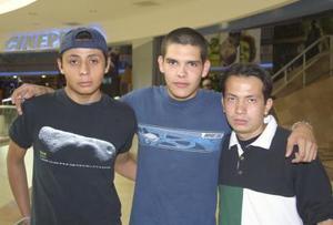 Carlos Jardon, Omar Rodríguez y Eduardo Meraz