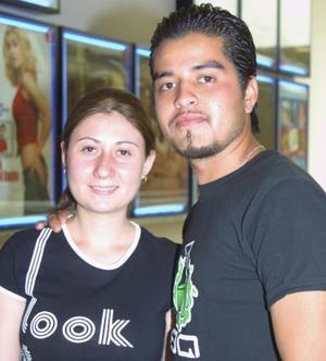 Karla Ortiz e Iván Lara.