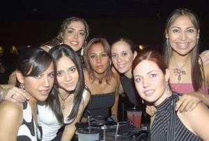 Valeria, Meche, Anny, Gaby, Adriana, Vanesa y Karina.