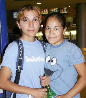 Karina García Cruz y María de los Ángeles Gallegos.