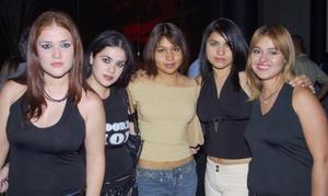 Bertha Bracho, Rosy Bracho, Cunthia Aris, Janeth Aris y Monserrat Fernández.