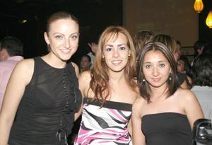 Alejandra Velasco, Carolina Ríos y Anilú Valdepeñas, disfrutaron la noche
