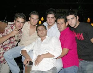 Chacho Garrido, Pablo Treviño, MAnolo González, Frank López, Roberto Tueme y 'Gc' Domínguez.