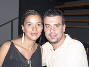 Martha Cisneros de Bianco y Larry Bianco.