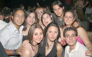 Any, Carlos, Belinda, Mague, Anilú, Diego, Alejandro, Martha y Vicky.