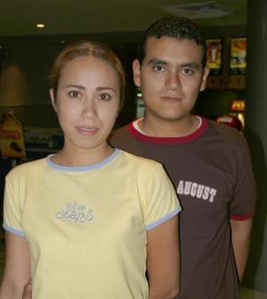 Lourdes Reyes Favila y Edmundo Mena.