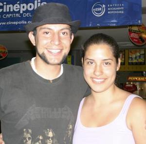 Roberto Beltrán y Yocelyn Torres.