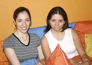 Ada Sabag y Mónica Perezcaro.