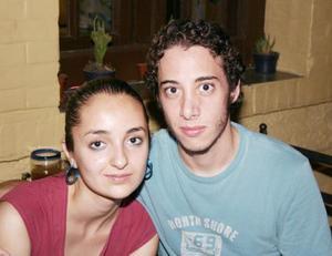 Claudia Rascón y Daniel Garza.