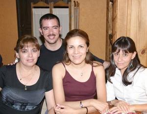 Lety, Verónica, Jaime y Lilia.