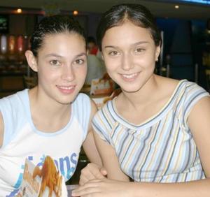 Salma Jaik y Bárbara Castro.