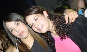 Karla Estrada y Mariana Villarreal.