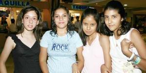 Samady Rodríguez, Zaira Rivera, Sheini Sánchez y Mónica Palma.