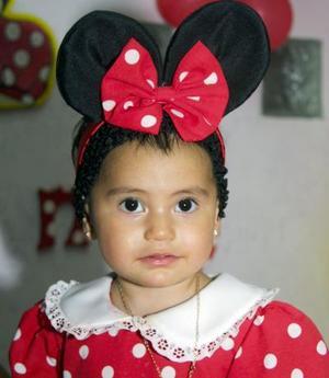 Daniela Estefanía Jasso García captada con un lindo disfraz, en la fiesta de su primer cumpleaños.