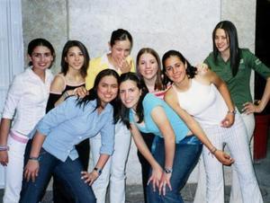 Cristy, Marisa, Elizabeth, Carmina, Chela, Cecy, Mariana y Sarahí.