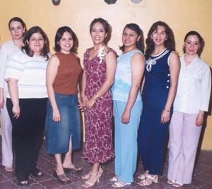 Rosalinda Ortiz  Rivera en compañia de sus amigas Ani Avilés, Alma Guerrero, Ana Laura Cervantes, Maru Sánchez, Ema Rodríguez, Sandra Delgadillo y Mayela Martínez, en su despedida de soltera.