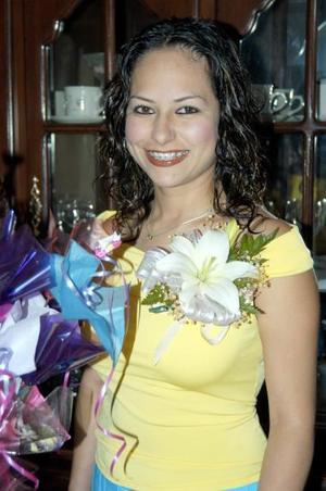 Cynthia América Luján Nájera, captada en una de las últimas despedidas de soltera que le ofrecieron.