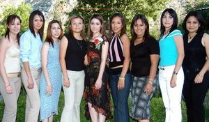 Ana, Monserrat, Adigaíl, Debbie, Araceli, Cristina, Carmen y Érika, acompañaron a Ivonne en su festejo.