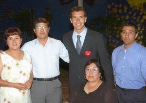 Carlos Muñoz García, Beatriz García de Muñoz, Jared Borgetti, Guillermo García Medellín y María del Rosario Ochoa de Garza.
