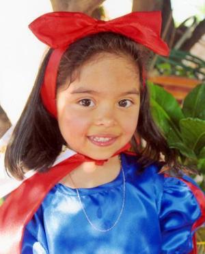Ana Paola Huízar Santoyo, captada en su fiesta de cumpleaños.