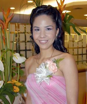 <u><b> 07 de mayo </u> </b><p> Marcela Salazar Alcalá en su despedida de soltera.