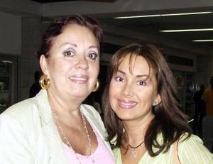 Luz Antonia garcía y Luz Antonia González viajaron a Acapulco de vacaciones.