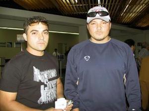 <u><b> 08 de mayo </u> </b><p> Osvaldo Morejón y Pedro Cámara, beisbolistas que regresaron a Mérida, Yucatán