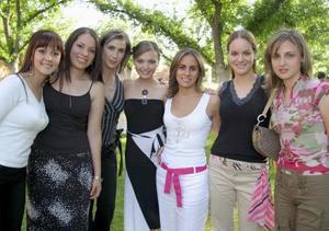 Iradia Anaya, Brenda domínguez, Lucía Sada, Mercedes Romo, Soraya Zreik, susana López y María Emilia de Madero.