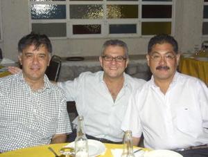 Armando Álvarez, Chafi Yamuca y Tomás Ramírez.