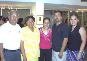 Eladio y rosa Pacheco, Jesica Pacheco, Roberto de la Rosa y Tracy Pacheco.