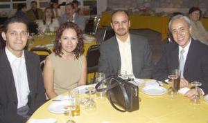Leopoldo Ramírez, Nora García, Héctor Aymerich y Benjamín, en pasado acontecimiento social.