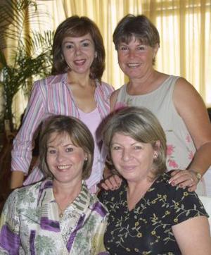 Lupita Q. de Villalobos, Silvia Villalobos, Nelly de David y Mayela de Mery.