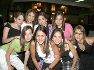 Daniela Sesma, Andrea Espada, Marypily Roel, Brenda Humphrey, Stefanía Alanis, Iza Soto, Isabel Moncholi y Cristi Sesma.